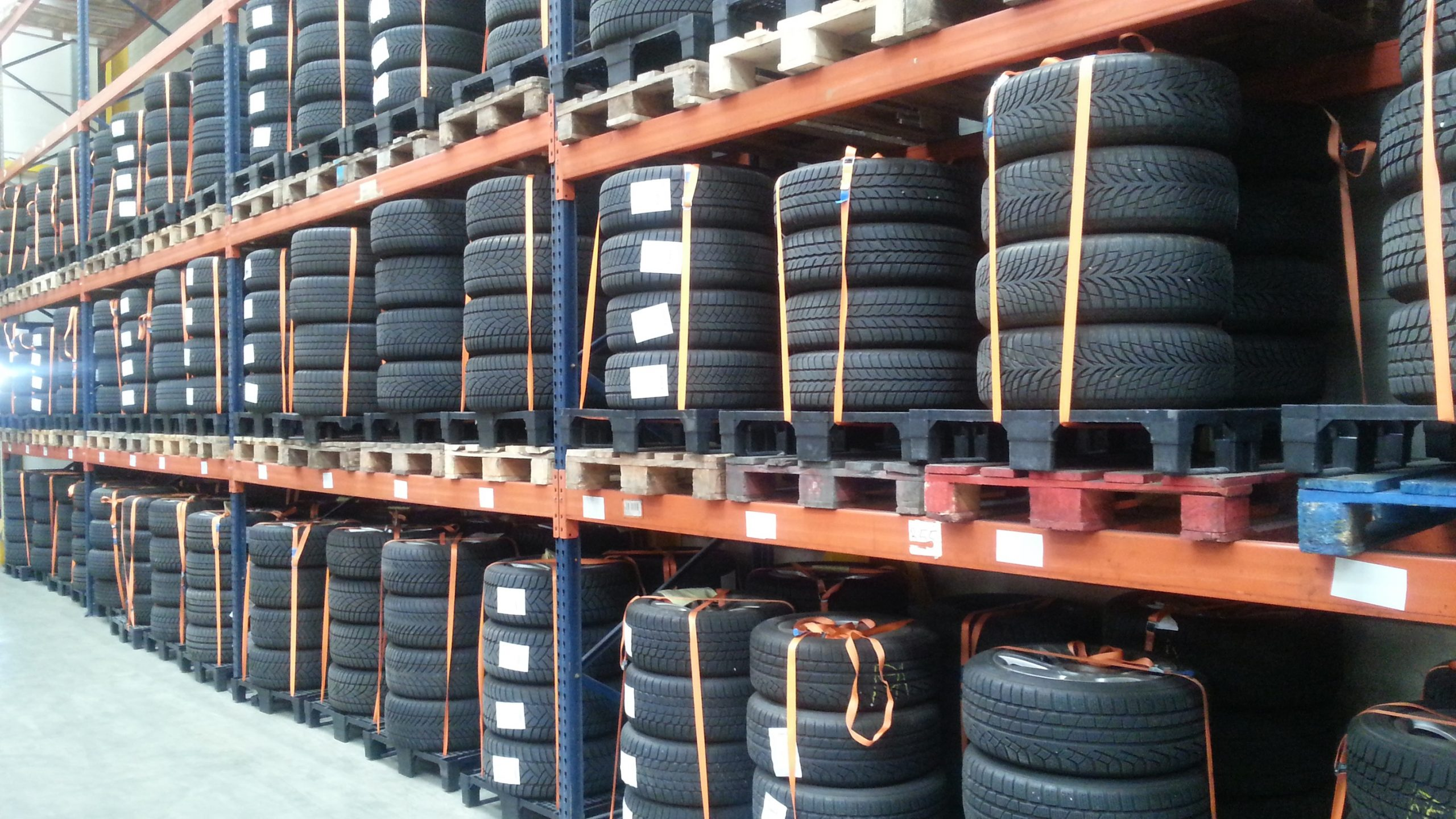 Warehouse banden